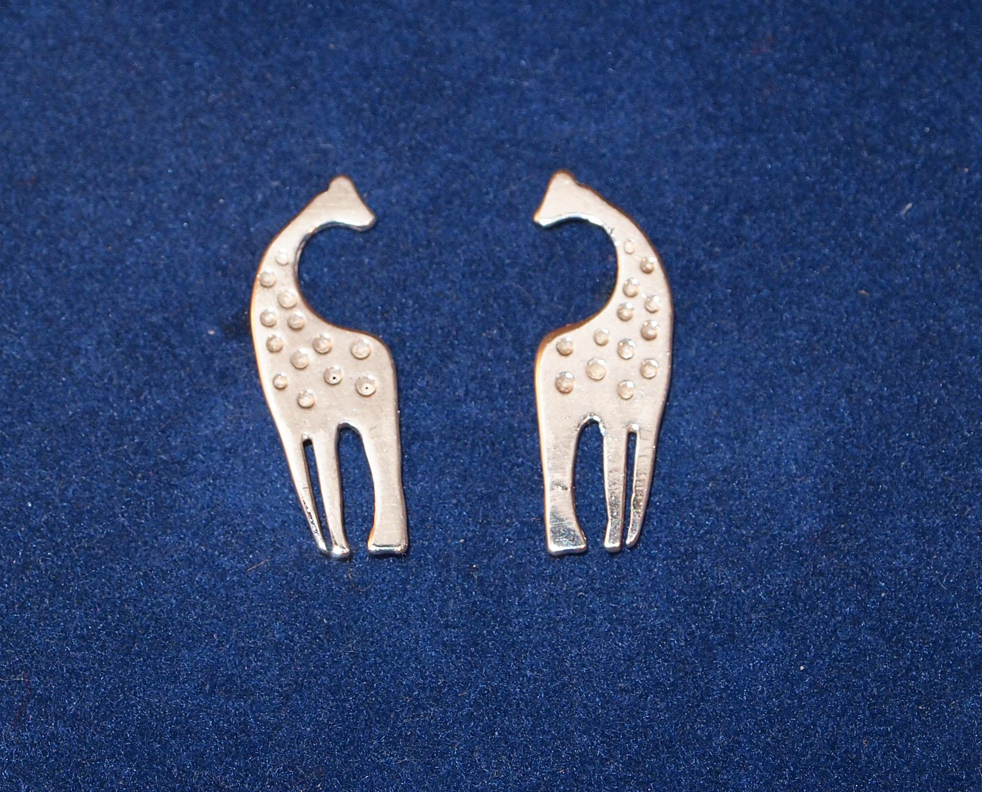 Žirafa - náušnice na šroubek N584 39f950e120